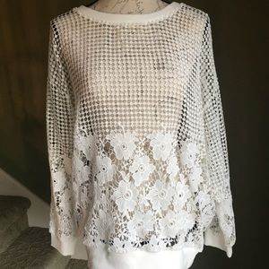 Ladies Bobeau White Embroidered Top